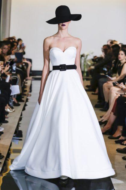 Des robes de mariées blanches… et noires